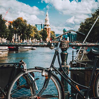 Zaprzyjaźnione busy do Holandii